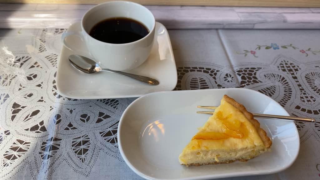 Cafe Sparrow Cake